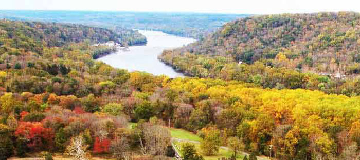 Fall is a wonderful time to enjoy shopping, dining, and the wonderful sights in Lehigh Valley, PA